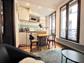 Apartment Close to Canal Saint Martin - 1 bedroom