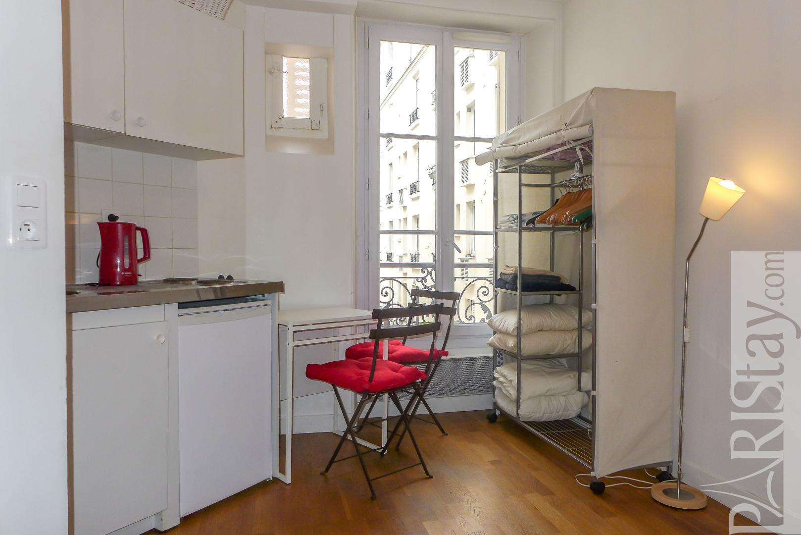 Apartments in Paris long term studio rental Trocadero