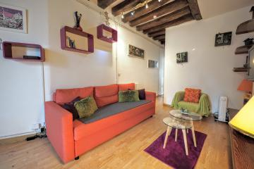 1 bedroom of Marais central Paris apartment rentals Beaubourg