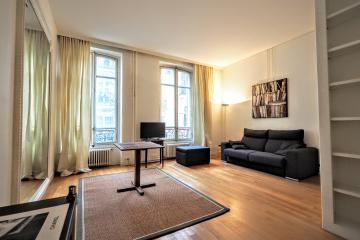 studio of Studio Colisee zen Paris apartments Champs Elysees