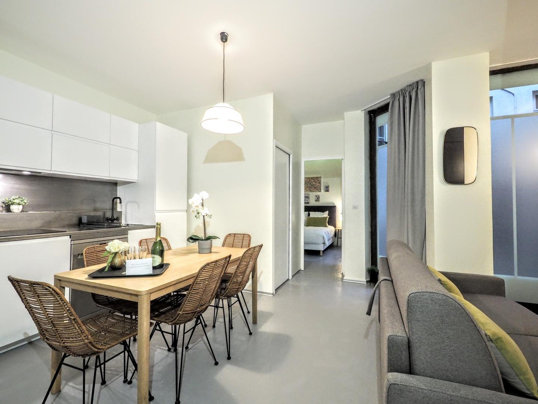 Separation Salon Chambre Studio paris rentals saint germain des prés 2 bedroom 6 people 75006
