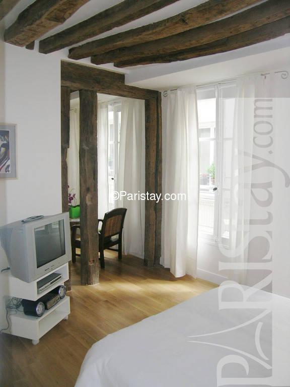 Paris location meubl e appartement type t1 studio saint - Chambre a coucher mobel martin ...