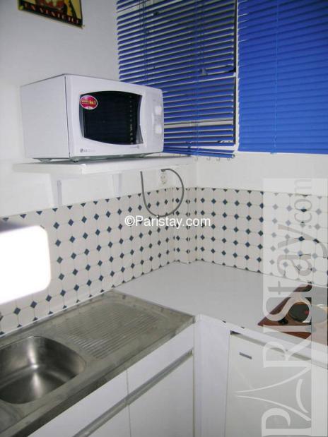 paris location meubl e appartement type t2 suffren. Black Bedroom Furniture Sets. Home Design Ideas