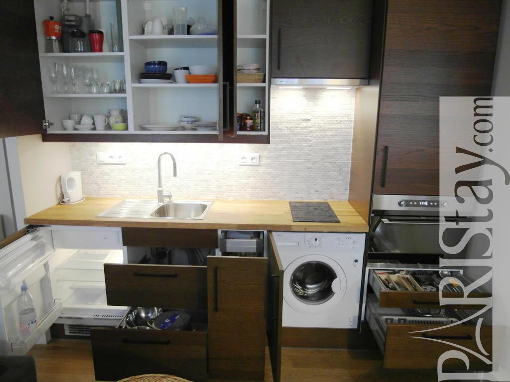 paris location meubl e type t1 studio filles du calvaire elegant studio. Black Bedroom Furniture Sets. Home Design Ideas