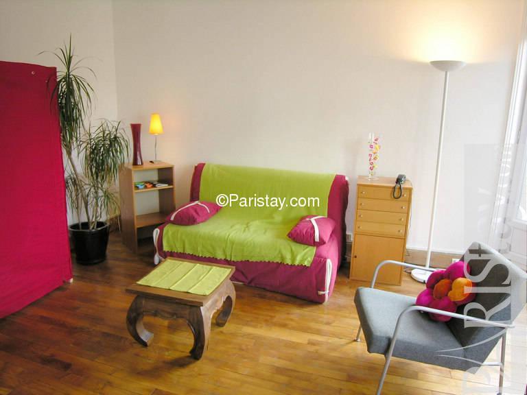 paris location meubl e appartement type t1 studio cortot. Black Bedroom Furniture Sets. Home Design Ideas