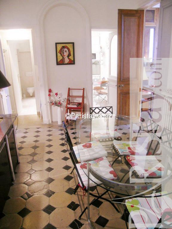 paris location meubl e appartement type t2 ile saint louis bourbon 29. Black Bedroom Furniture Sets. Home Design Ideas