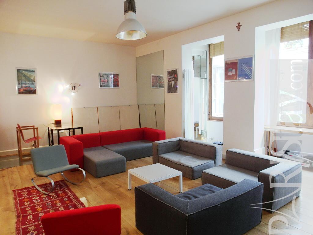 Apartment Rentals Paris Loft Ile St Louis 75004 Paris