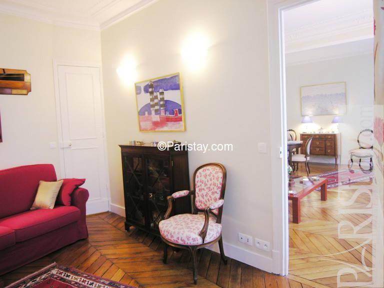 Paris location meubl e appartement type t3 cherche midi 119 for Recherche chambre a coucher