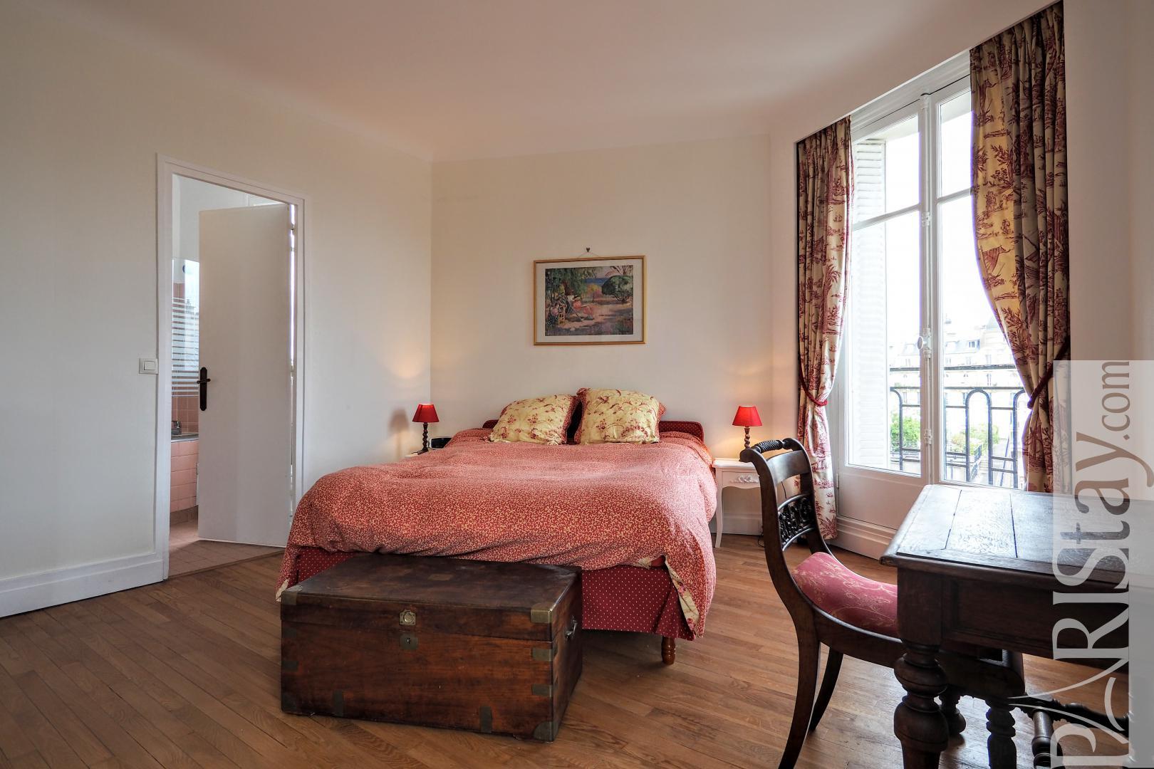 paris location meubl e appartement type t2 lauriston 62. Black Bedroom Furniture Sets. Home Design Ideas