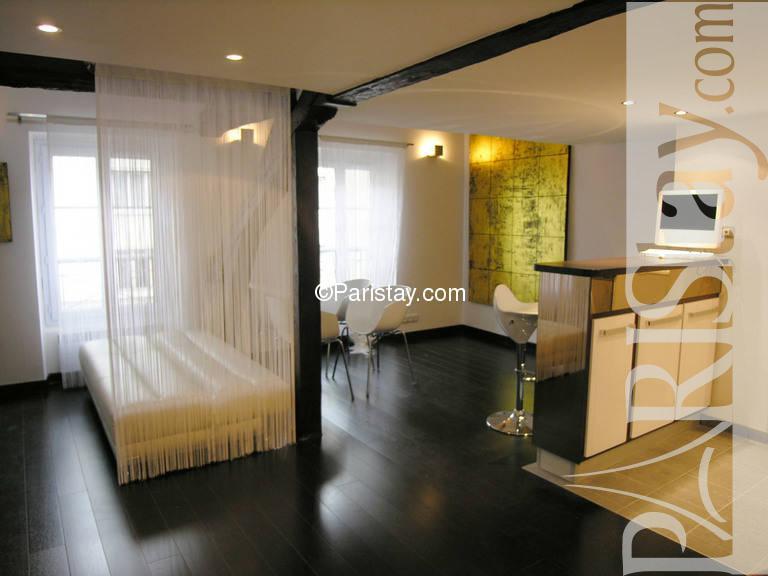 Paris location meubl e duplex type t2 acacia duplex for Duplex appartement paris