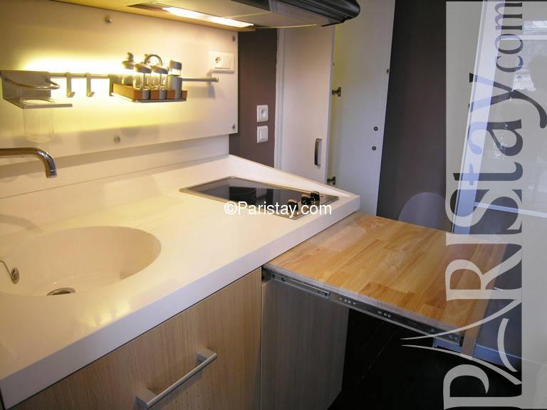 Studio appartment paris louvre louvre 75001 paris.