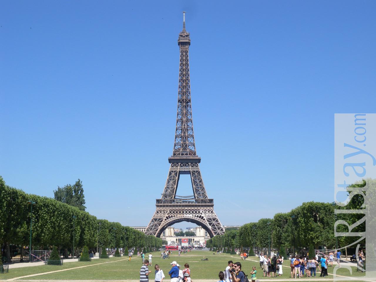 Paris location meubl e type t2 bourdonnais eiffel tower 1 - Location meublee paris reglementation ...