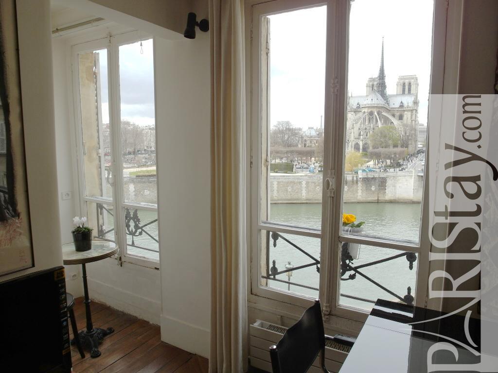 2 Bedrooms Rental Paris Ile Saint Louis Area Ile St Louis