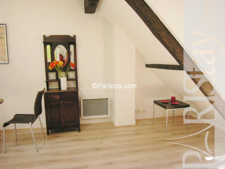 paris location meubl e appartement type t1 studio courbet. Black Bedroom Furniture Sets. Home Design Ideas