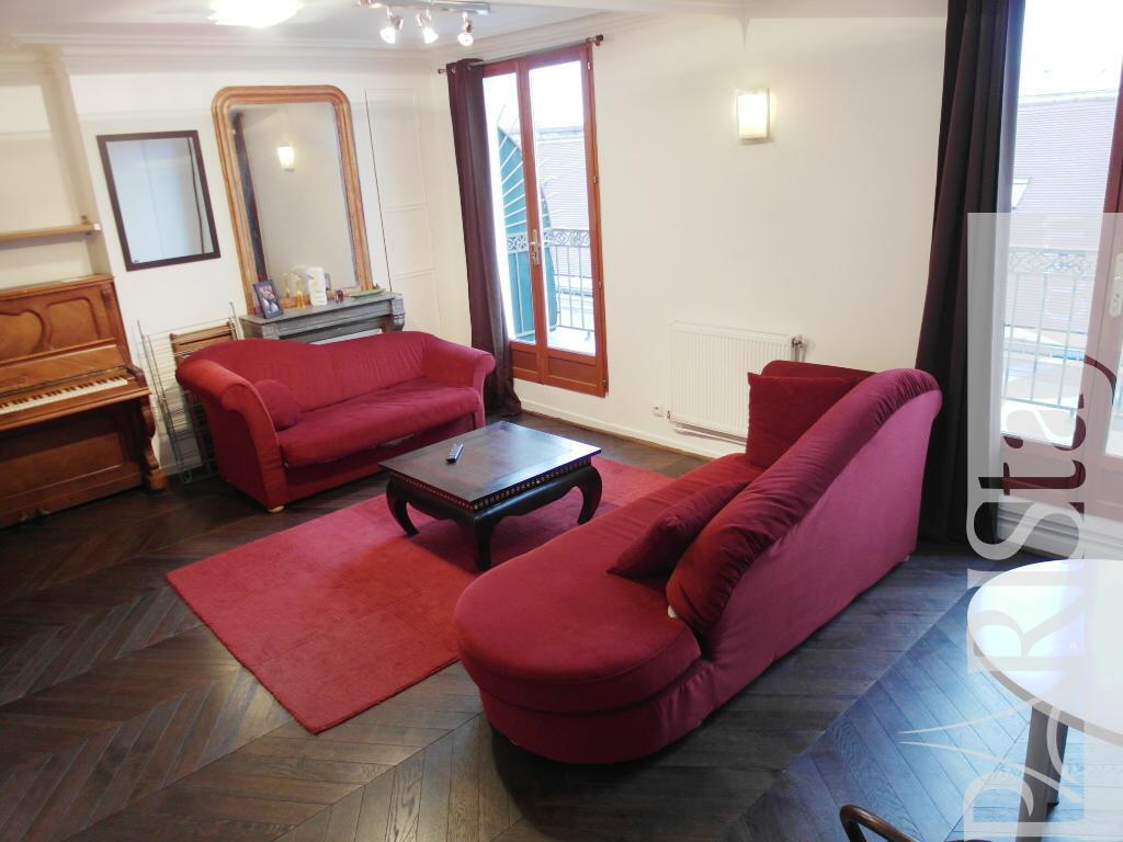 paris location meubl e appartement type t2 pavee marais terrace. Black Bedroom Furniture Sets. Home Design Ideas