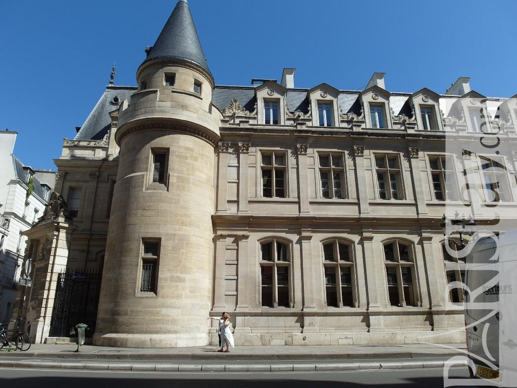 1 Bedroom Apartment For Rent Paris Le Marais Area Le